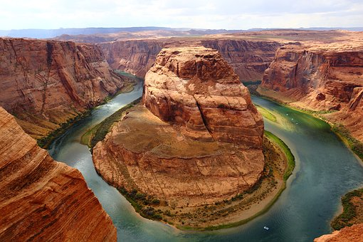 An image of a river in the USA.
